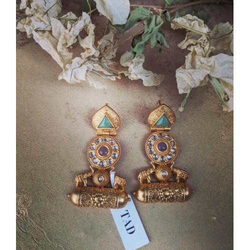 Mix design necklaces 28, earrings 12 and bracelet 1 total 41 pcs