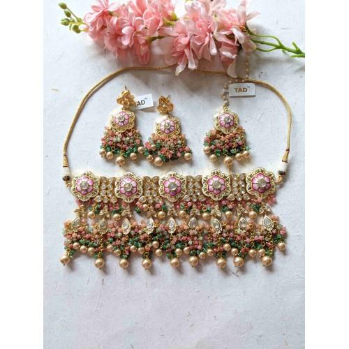 Vamika Necklace Set