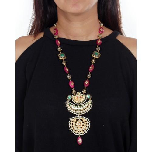 Ila necklace