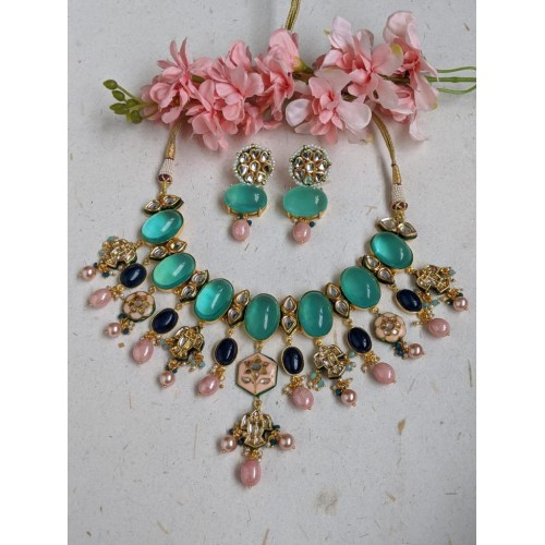 Mix 19 necklaces and 7 earrings