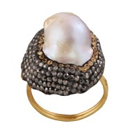 Baroque pearl and crystal Ring